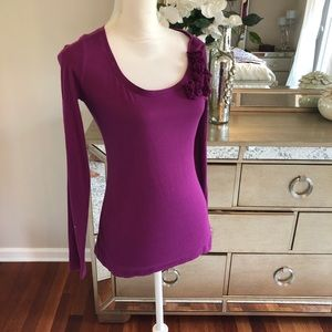 Women's top- like new 100% cotton